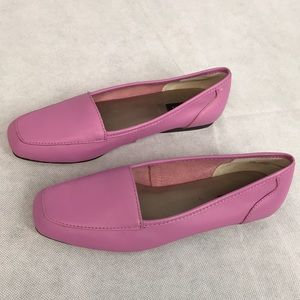 Array Loafers size 6 1/2 Good condition